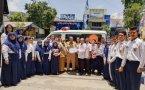 SMPN 1 Bojonegoro menyerahkan bantuan untuk korban gempa bumi dan tsunami di Sigi,Donggala dan Palu (Sulteng)