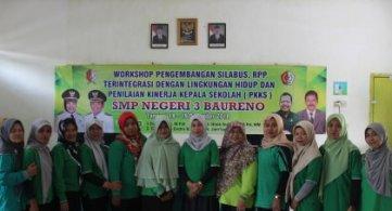 Kunjungan Tim Adiwiyata SMPN 1 Ke SMPN 3 Baureno